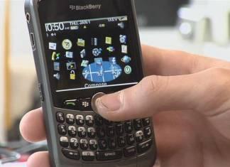 SMS SCHREIBEN – EinGefahr nicht nur für Daumengelenke