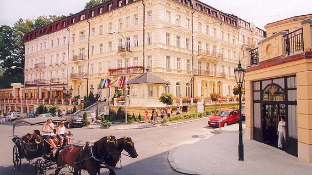 Curative Hotel Bohemia Lázně – Sanatorium Kriváň - Carlsbad / Karlovy Vary