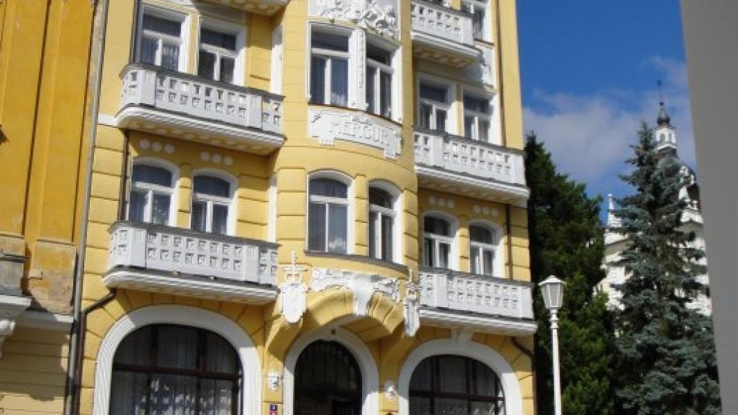 Hotel curativo Instituto de balneario Mercur (Lázeňský ústav Mercur) - Marianske Lazne