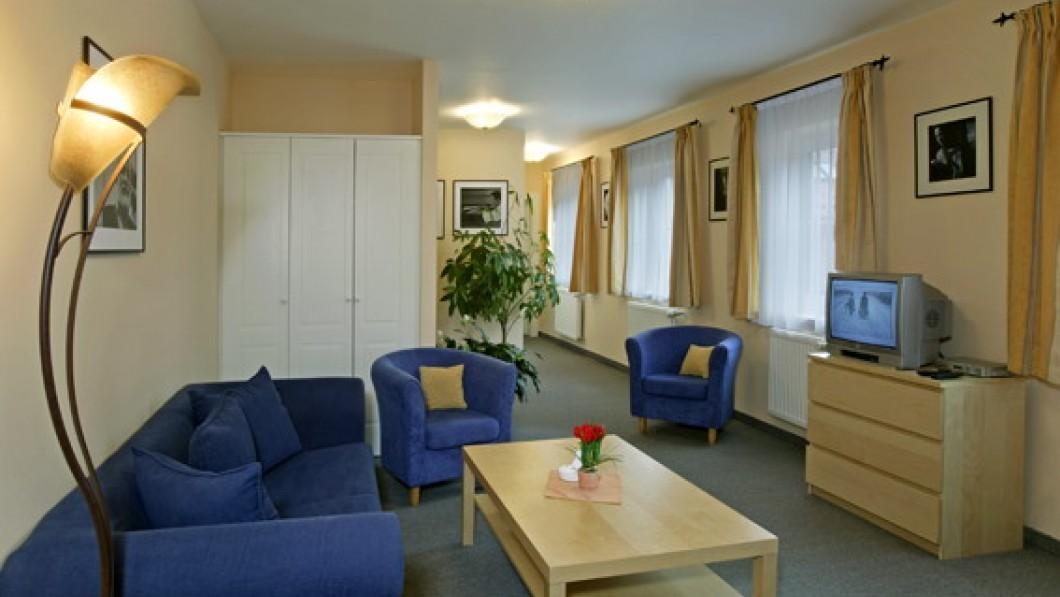 Отель Чешский двор / Hotel Český Dvůr